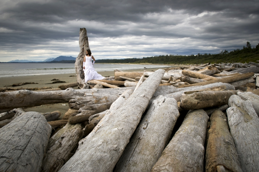 Sonja Amp Stefen Trash The Dress Session Tofino Wedding Photography Long Beach